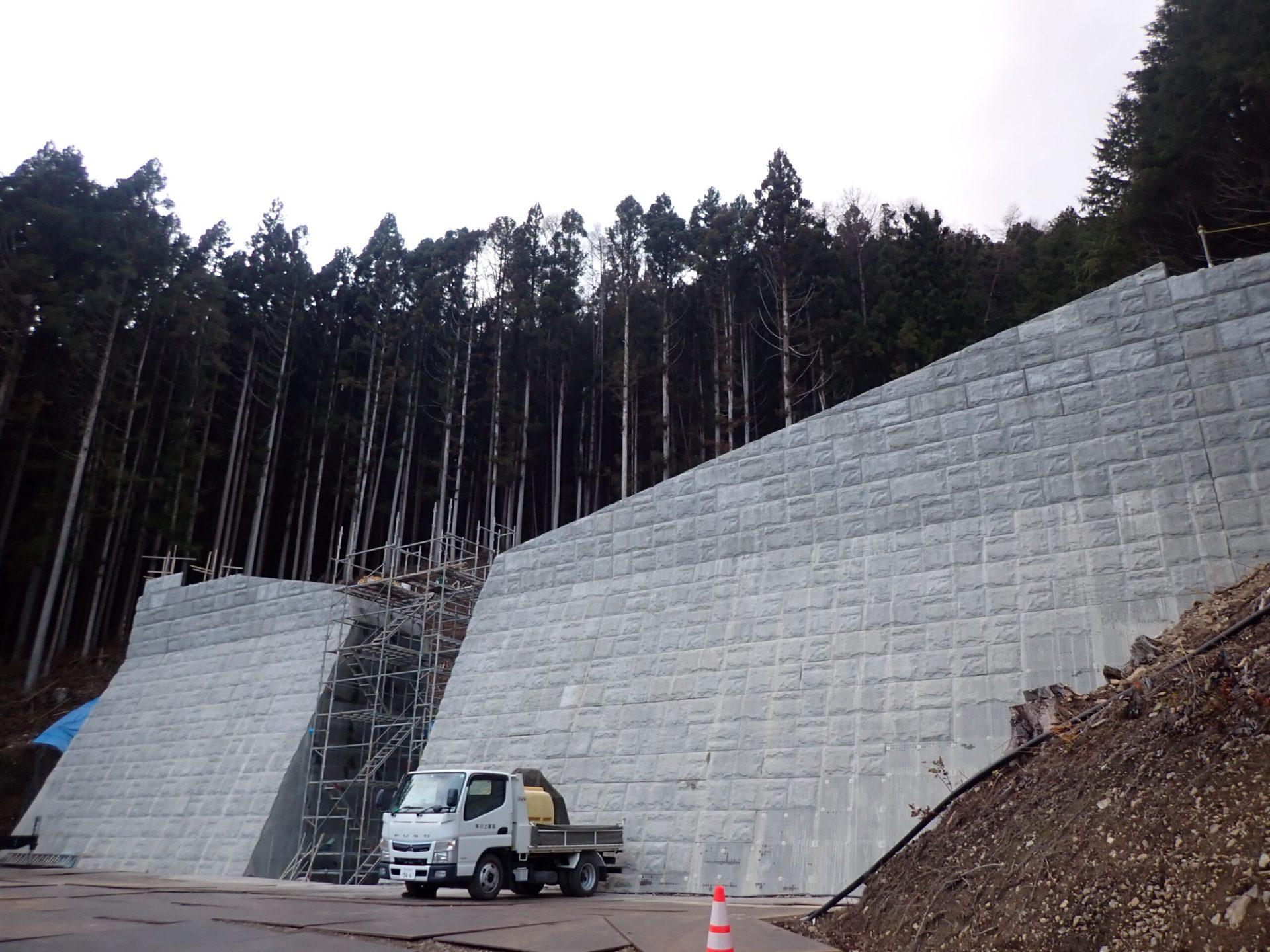 木曽平沢 川鳥沢砂防堰堤設計